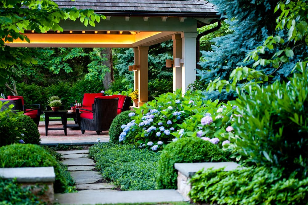 HGTV: GORGEOUS GARDENS WINNER
